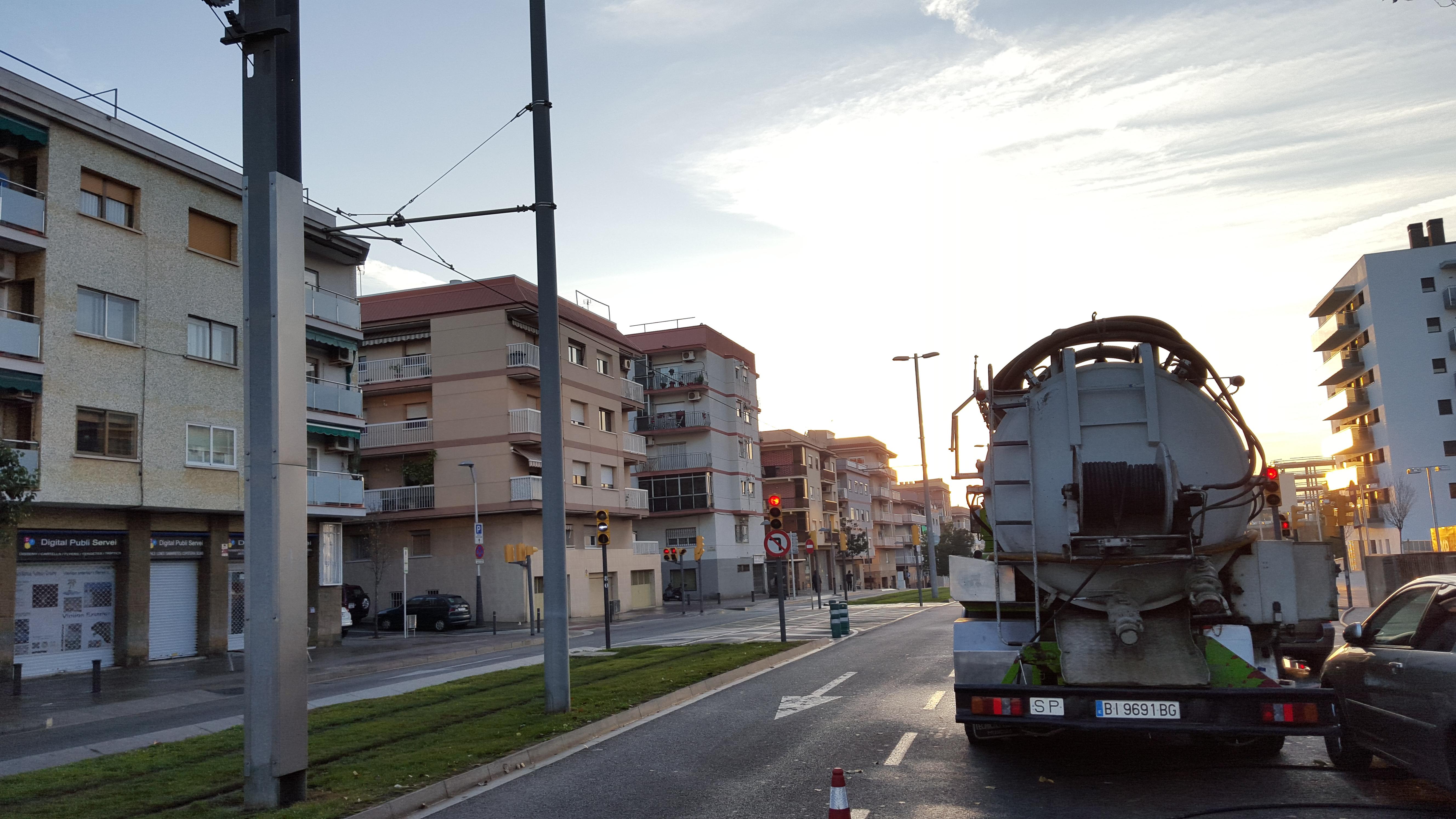 camion_limpiezas_aurja